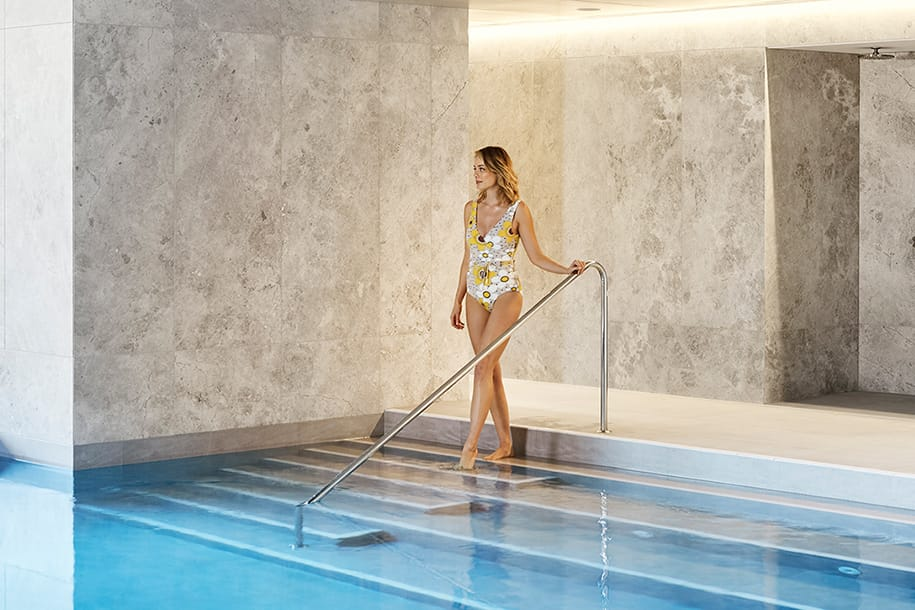 Heated pool, level 6